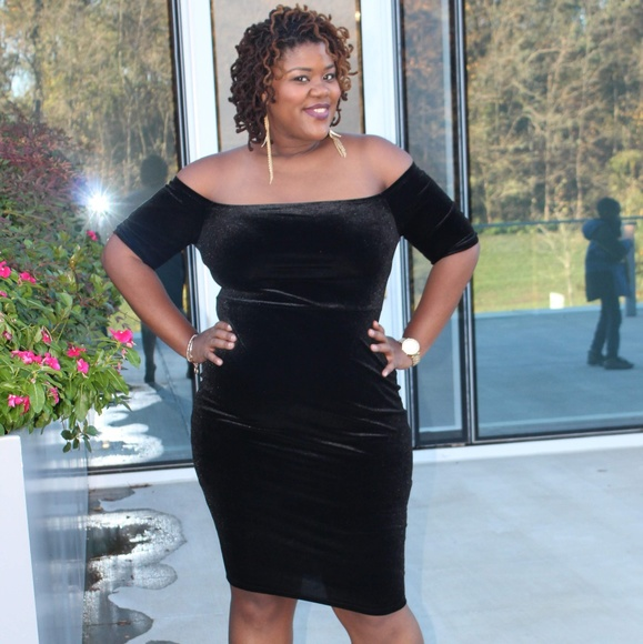 Plus Size Black Cold Shoulder Velvet Bodycon Dress Boutique